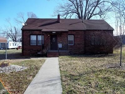 Gallatin County Single Family Home For Sale: 112 S Welver
