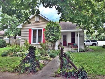 Metropolis Single Family Home For Sale: 914 Metropolis Street