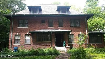 Hamilton County Single Family Home Active Contingent: 300 W Market Street