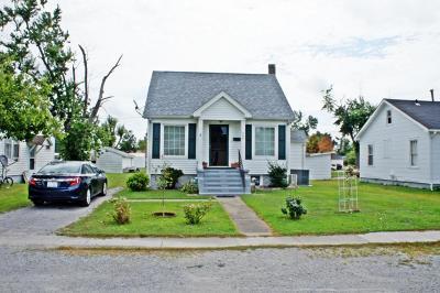 Metropolis Single Family Home For Sale: 906 Ophia Street