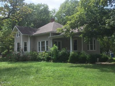 Benton Single Family Home For Sale: 206 W Webster Street