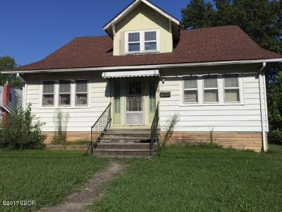 Benton Single Family Home For Sale: 110 McLeansboro