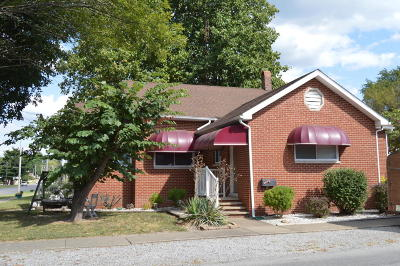 West Frankfort Single Family Home For Sale: 1302 E Main