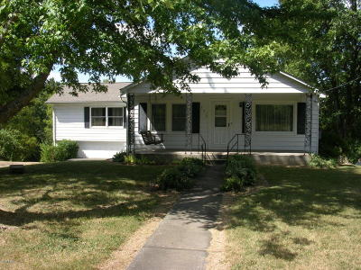 Johnson County Single Family Home Active Contingent: 290 Noble Avenue