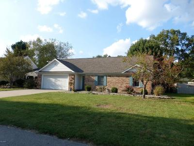 Marion IL Single Family Home For Sale: $135,000