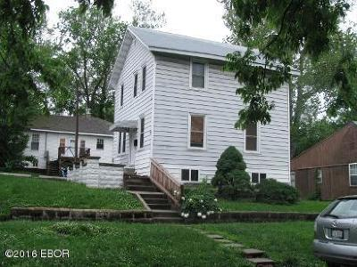 Carbondale Single Family Home Active Contingent: 406 S Ash
