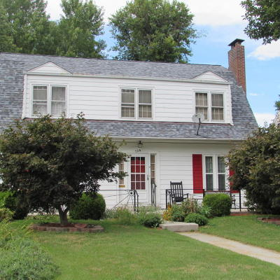 Carbondale Single Family Home For Sale: 704 W Elm Street