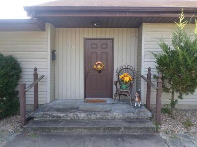 Benton Single Family Home For Sale: 1302 E Webster Street