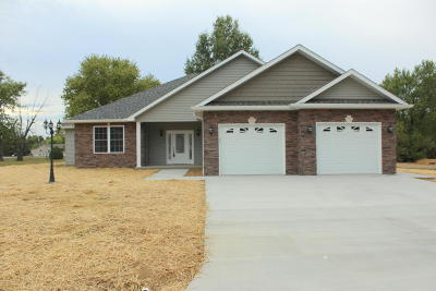 Williamson County Single Family Home For Sale: 105 Excalibur Drive