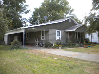 Gallatin County Single Family Home For Sale: 220 W Logan Avenue