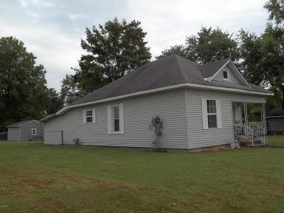 West Frankfort Single Family Home For Sale: 1403 E St Louis