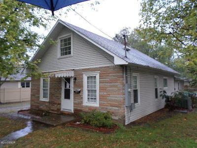 West Frankfort Single Family Home For Sale: 1411 E Poplar