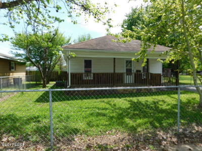 West Frankfort Single Family Home For Sale: 710 E 8th