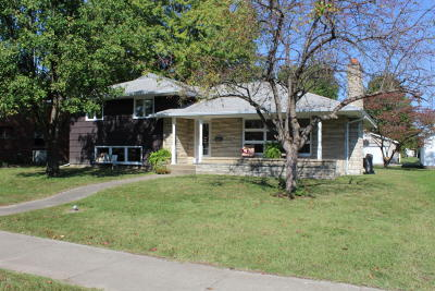 West Frankfort Single Family Home Active Contingent: 803 E Main