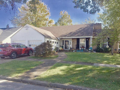 Metropolis Single Family Home For Sale: 300 Girard Street