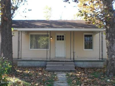 Marion IL Single Family Home For Sale: $23,900
