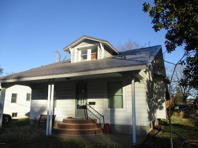 Benton Single Family Home For Sale: 600 N Madison Street