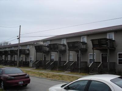 Carbondale Multi Family Home For Sale: 402 E Hester Street