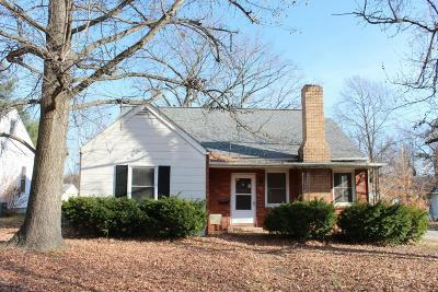 Carbondale Single Family Home For Sale: 601 N Almond Street