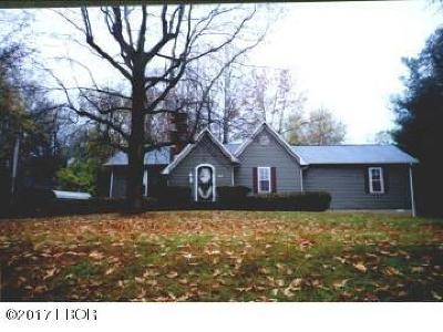 West Frankfort Single Family Home For Sale: 515 N Horrell Avenue