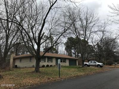 Carbondale Single Family Home For Sale: 64 Spring Arbor Drive