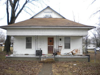 Single Family Home For Sale: 1202 Broadway Street