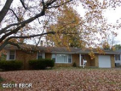 Marion IL Single Family Home For Sale: $85,900