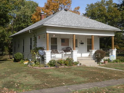Single Family Home For Sale: 628 Anderson Street