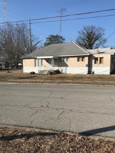 West Frankfort Single Family Home For Sale: 709 W St Louis