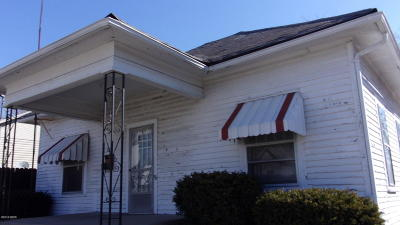 Single Family Home For Sale: 310 S Main