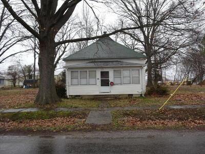 Single Family Home For Sale: 800 Bramlet Street
