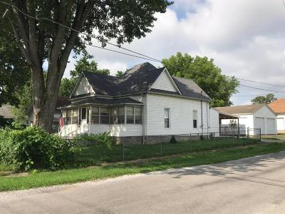 West Frankfort Single Family Home For Sale: 501 S Douglas Street