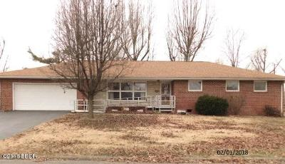 Herrin IL Single Family Home For Sale: $54,000