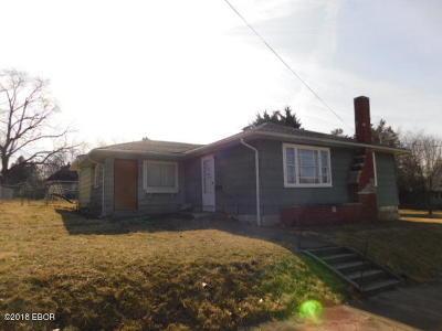 West Frankfort Single Family Home For Sale: 504 W Jones Street