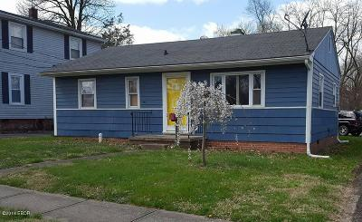 Harrisburg IL Single Family Home Active Contingent: $39,900
