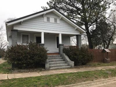 Single Family Home For Sale: 814 W Longley Street