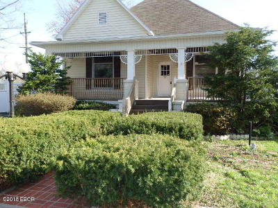 Harrisburg IL Single Family Home For Sale: $38,500