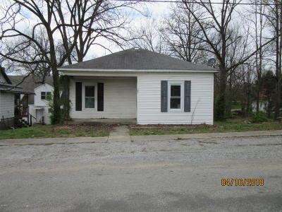 Johnson County Single Family Home For Sale: 103 S 6th Street