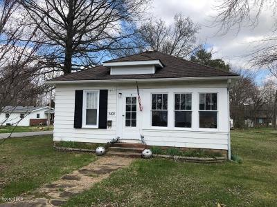Marion IL Single Family Home For Sale: $32,500