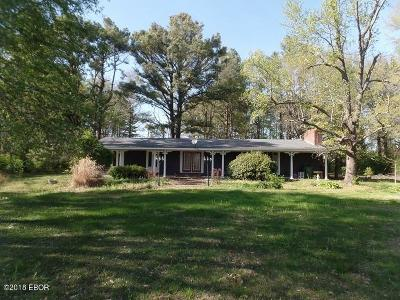 West Frankfort Single Family Home Active Contingent: 10867 Country Club Road