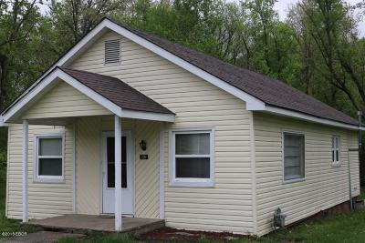 Carterville Single Family Home Active Contingent: 201 Iowa Street