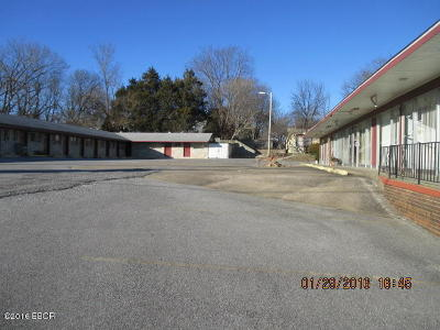 Commercial For Sale: 150 E Vienna Street