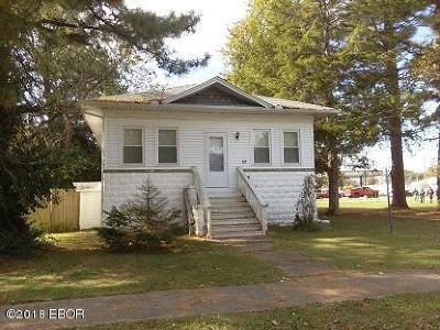 Benton Single Family Home For Sale: 105 S 8th Street