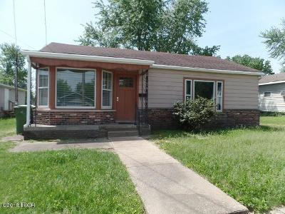 Marion IL Single Family Home For Sale: $64,900