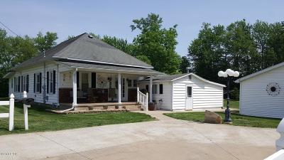 Marion IL Single Family Home Active Contingent: $87,300