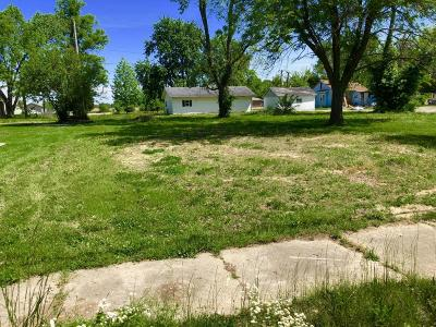 Benton Residential Lots & Land Active Contingent: 1111 E Bond Street