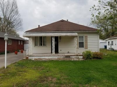 Elkville IL Single Family Home Active Contingent: $42,000