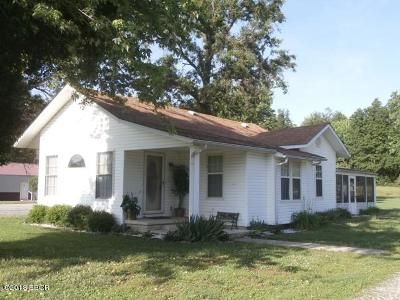 West Frankfort Single Family Home For Sale: 1562 Pershing Road
