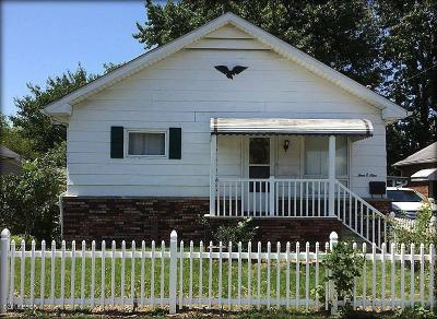 West Frankfort Single Family Home For Sale: 409 S Logan Street