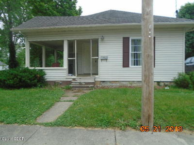 West Frankfort Single Family Home For Sale: 410 N Madison Street